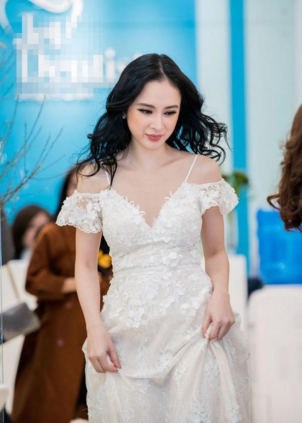 angela-phuong-trinh-2-9397-1517539599